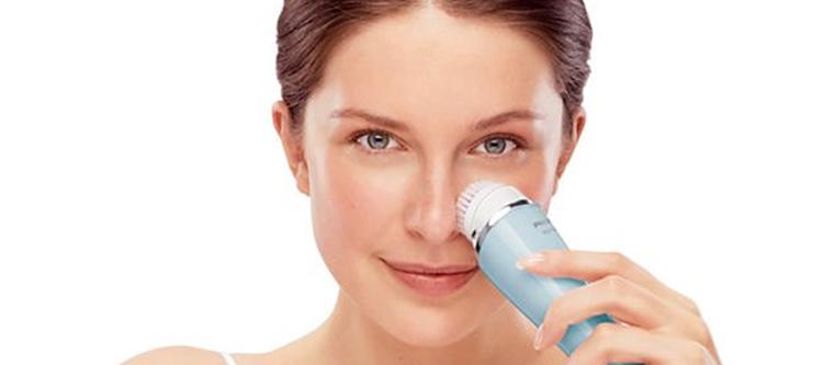 El cepillo facial, un imprescindible en tu tocador