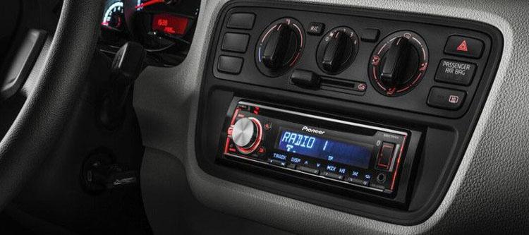 ¡Al loro! Qué tener en cuenta al comprar un radio-cd para el coche